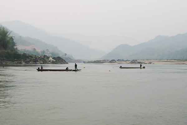 Xayaburi HPP – Fish Swimming Ability Study, Mekong River. Xayaburi Hydropower Project, Lao PDR